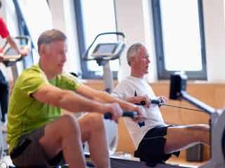 बढ़ती उम्र में कठिन व्यायाम करने से बचें