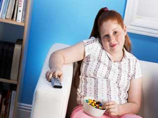 इन कारणों से बढ़ता है बच्चों का वजन