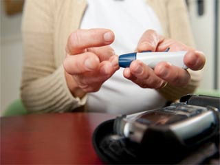Can managing diabetes become easier through self-monitoring?