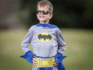 छः साल का 'बैट बॉय' जो बिना आंखों के भी देख सकता है दुनिया