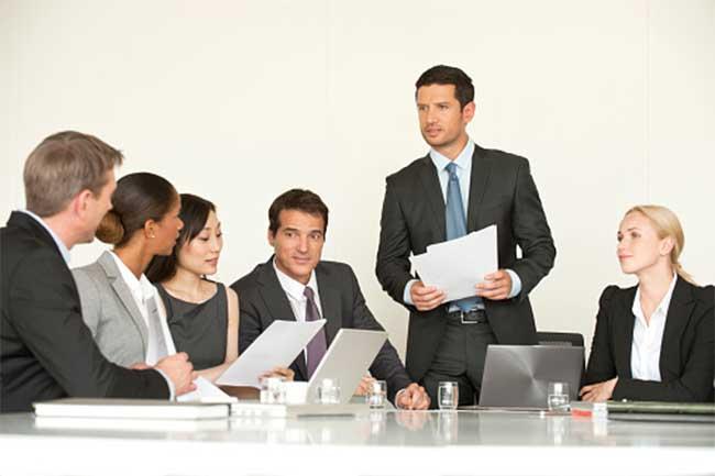 बॉस की अवास्तविक मांगें