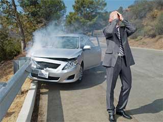 कार दुर्घटना के बाद लोग हमेशा करते हैं ये 5 गलतियां