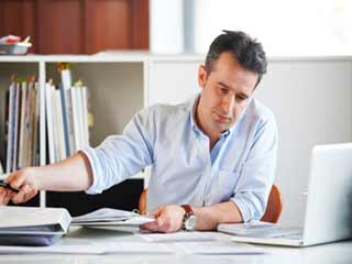 बॉस का विश्वासपात्र बनना हो सकता है थकाऊ