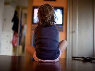 बच्चों में शराब पीने की इच्छा जगाते हैं टीवी के ये विज्ञापन
