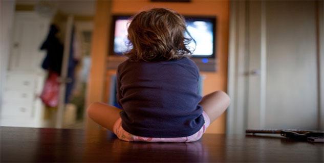 child watching tv in hindi
