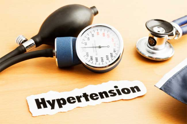 बुखार व हाइपरटेंशन की शिकायत