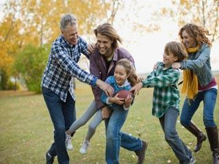 परिवार के साथ वर्कआउट करने के 7 तरीके