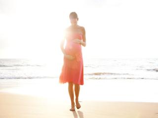 गर्भावस्था के दौरान खुद को शांत रखने के 8 तरीके