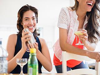 पुरुषों को नहीं पीनी चाहिए महिलाओं की ये 5 पसंदीदा कॉकटेल्स