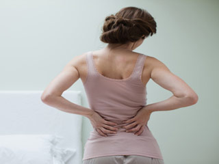 कमर दर्द से छुटकारा पाने के आसान तरीके