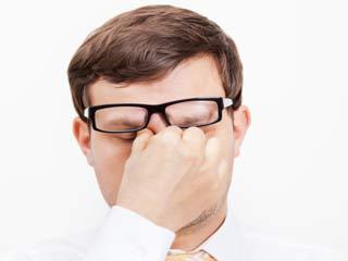 आंखों की थकान दूर करने के 10 असरदार तरीके