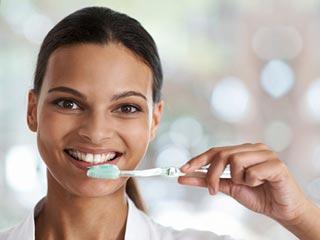 क्या आपका टूथब्रश कर रहा है आपको बीमार