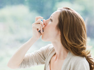 What are the risks of Asthma?