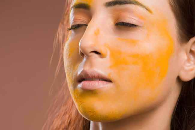 Turmeric and Pineapple Juice Mask