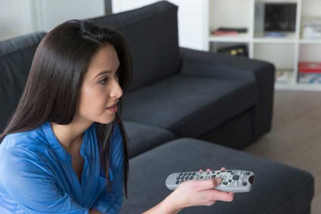 टीवी देखते हुए समय निकालें