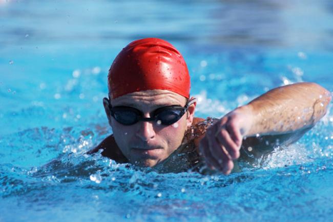 इत्मीनान से करें तैराकी