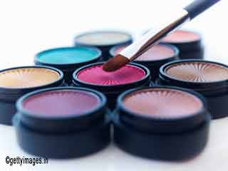 Makeup to go with traditional wear
