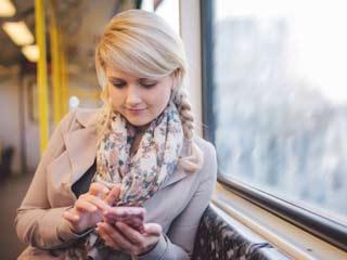 10 Super Stylish Ways to Drape a Stole