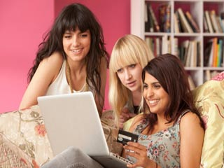ये इशारे बताते हैं कि आपको लग गई है ऑनलाइन शॉपिंग की लत