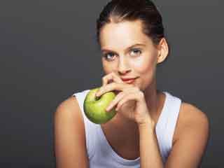 क्यों कुछ लोगों को होती है फलों और सब्जियों से एलर्जी