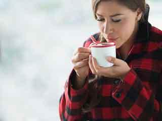 इन 7 ड्रिंक्स से सर्दियों में भी रखें अपने दिल को गर्म