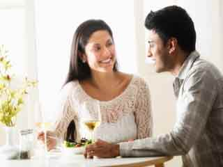 महिला के लिए कभी न करें ये 7 काम, चाहें प्यार में ही क्यों न हों