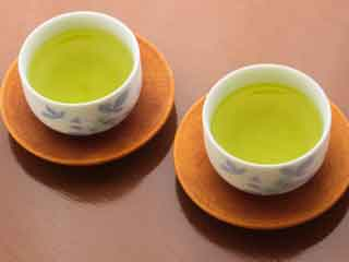 Drink Green Tea to Ward Off Oral Cancer