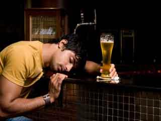 जल्दी शराब चढ़ने के 7 अजीब कारण