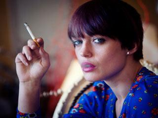 महिलाओं में ब्रेस्ट कैंसर का कारण बन सकता है धूम्रपान