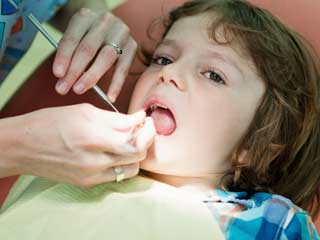 Symptoms and preventive measures for tooth decay in toddlers