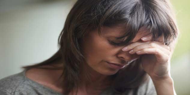 woman in pain hindi