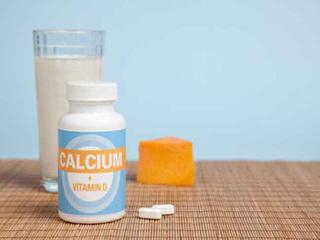 6 लक्षण जो बताते हैं कि आप में है कैल्शियम की कमी