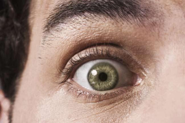आंखों की रोशनी कम होना