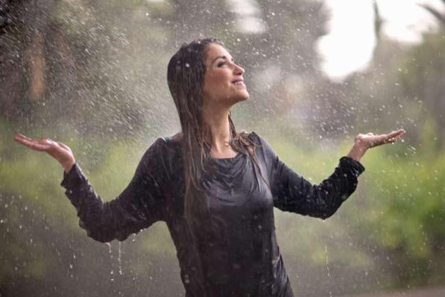 बारिश में भीगना