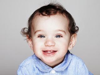 जब निकले बच्चे के दांत तो आजमाएं ये घरेलू उपचार