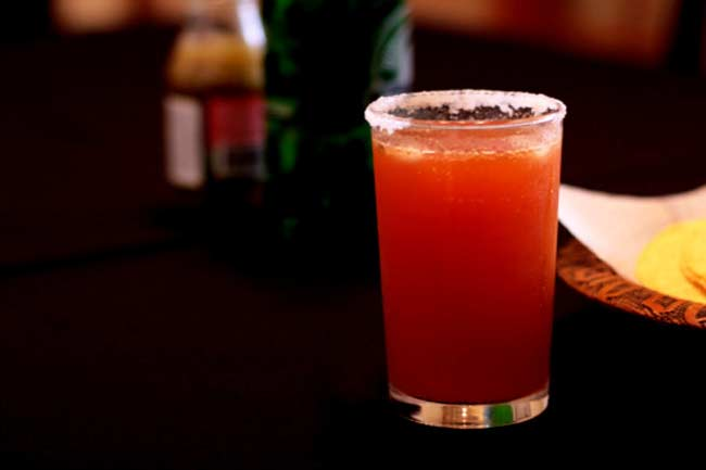 मिथ - एनर्जी ड्रिंक को एल्कोहोल के साथ लेना फायदेमंद