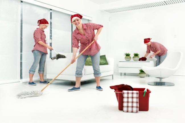 फर्श को साफ रखें