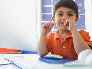बच्चों में इन 7 तरीकों से छुड़ायें नाखून चबाने की आदत