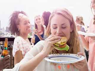 कुछ लोग क्यों खाते हैं ज्यादा