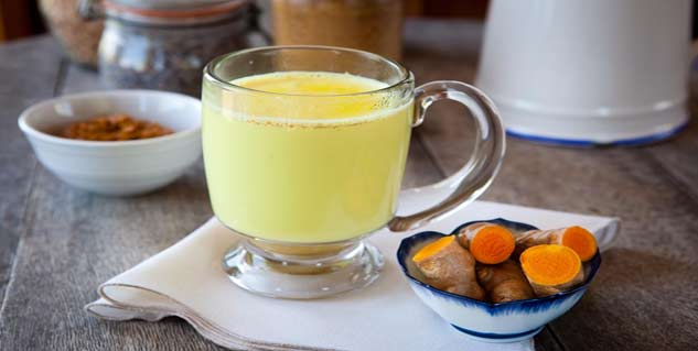turmeric milk in hindi