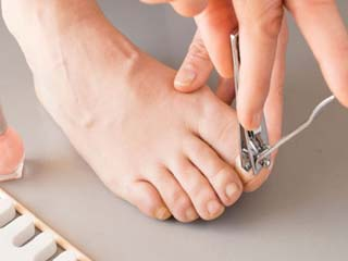Epsom salt, lemon and tea tree oil: Home remedies for ingrown toenails