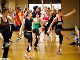 कैसे करते हैं डांस एरोबिक्स