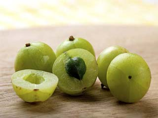 Amazing amla benefits and uses you should know