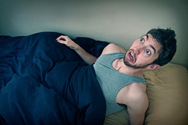 सोते हुए डरना