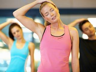 योग के साथ नेक वॉर्म-अप और टर्न मूवमेंट का अभ्यास भी जरूरी