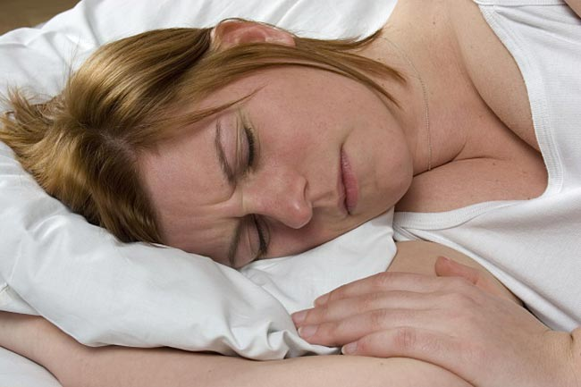 Is Sleeping In A Bra Good Or Bad For You in Hindi