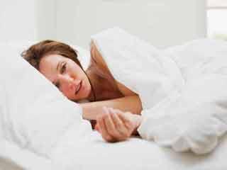 नींद से जुड़ी इन समस्याओं के बारे में कोई नहीं करता बात