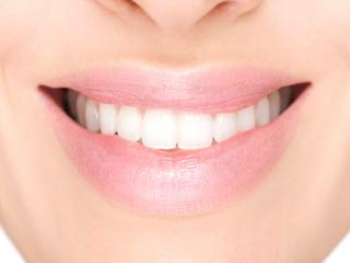 दांतों का नाता सिर्फ खूबसूरती