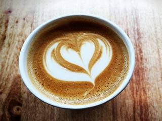 रोज 3 कप कॉफी पीने से कम होता है हृदय रोग का खतरा
