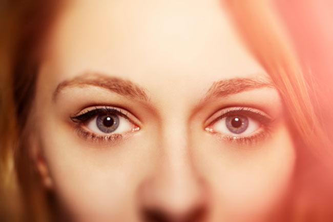 कुछ कहती हैं ये आंखें